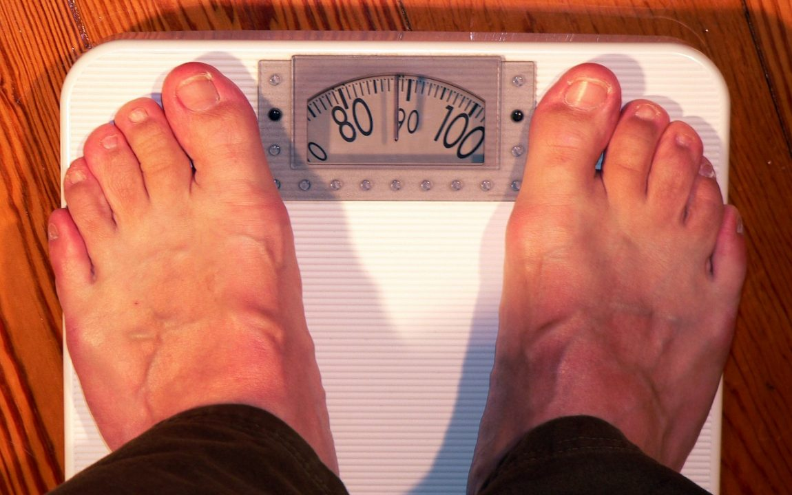 8 Reasons Why Your Weight Fluctuates Daily